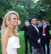 Pamela Anderson & Sanddorn Likör