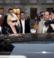 Paris Hilton für Rich Prosecco