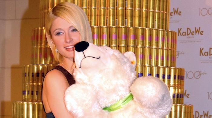 RICH Prosecco wirbt mit Paris Hilton