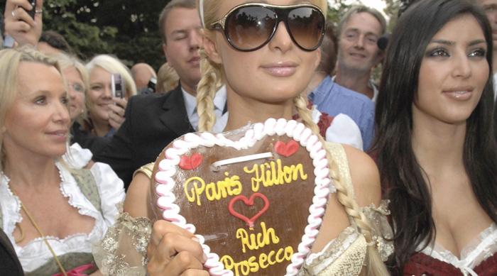 Alpha_Pool_Rich_Prosecco_Paris_Hilton_2