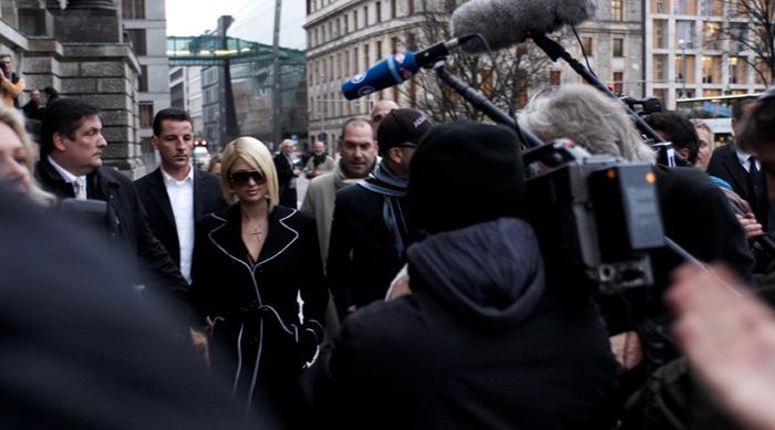Redaktionelle Filmproduktion beim Besuch von Paris Hilton in Berlin