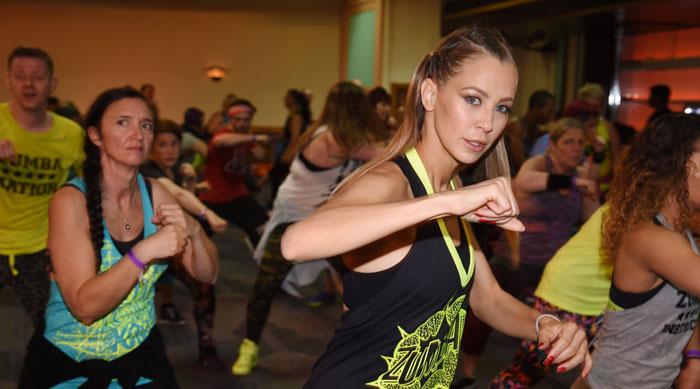 Let's Dance Star beim Zumba Training in London