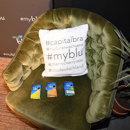 Content Erstellung Agentur: myblu Wohnzimmer Konzert mit Capital Bra