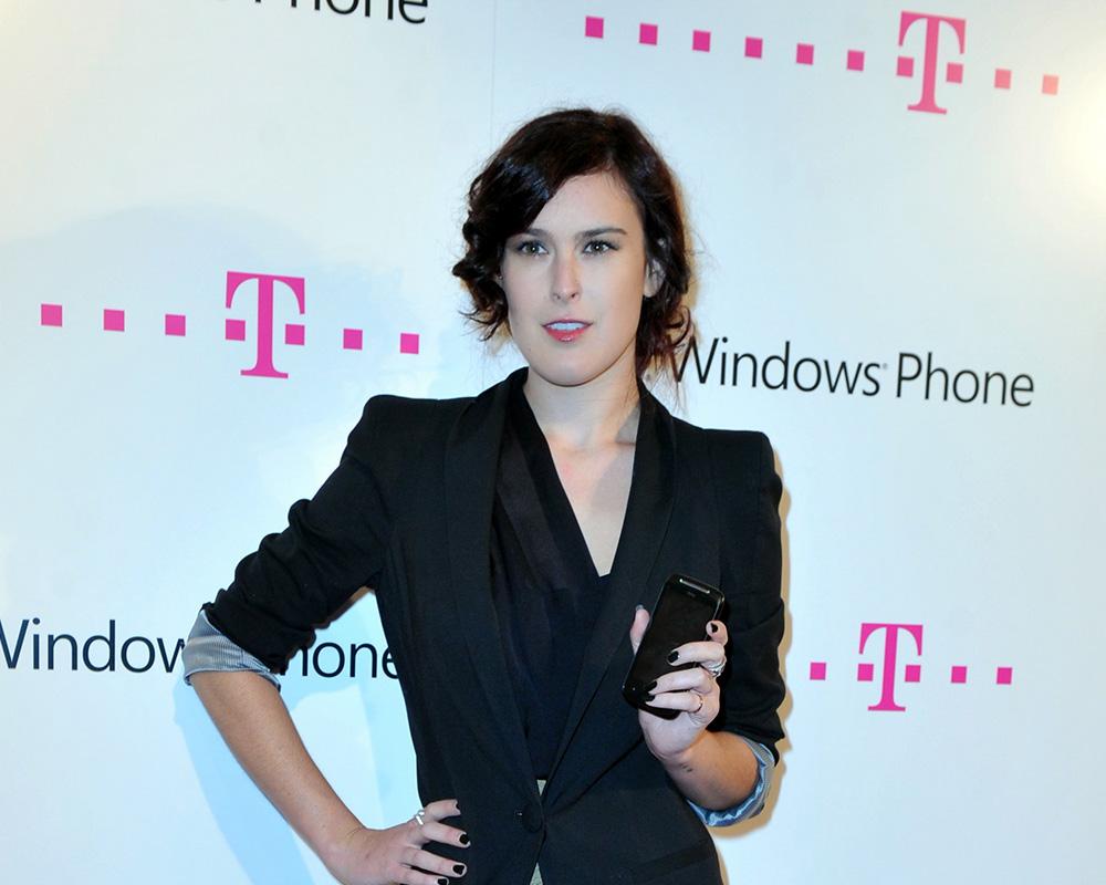 Rumer Willis Telekom Windows Phone ALPHA POOL